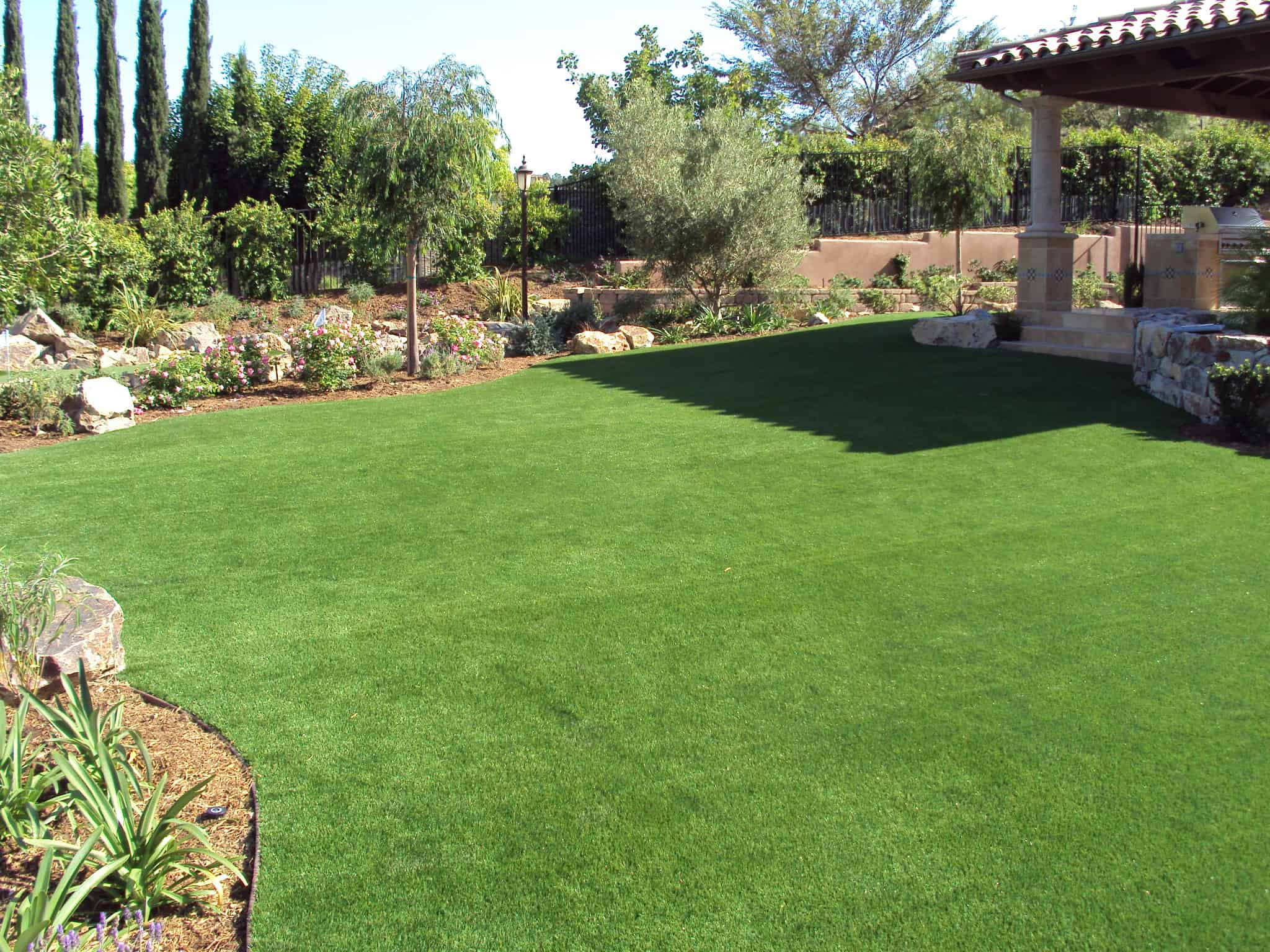 Backyard Summer Fun Family Activities - EasyTurf ... on Artificial Turf Backyard Ideas id=42912
